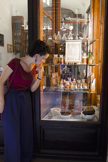 lisa-artisans-shop